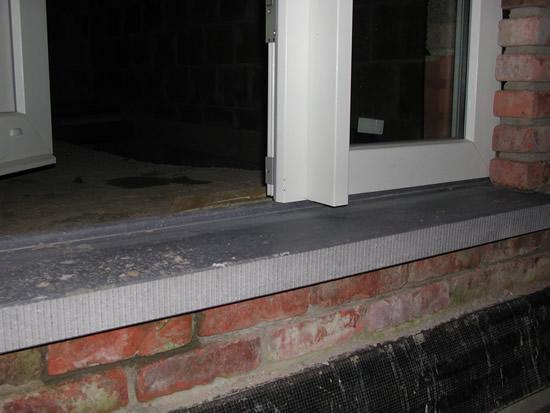 Extreem 06. Dorpel voordeur geplaatst   12-02-07 DAKSPLEET - MUREN TG01